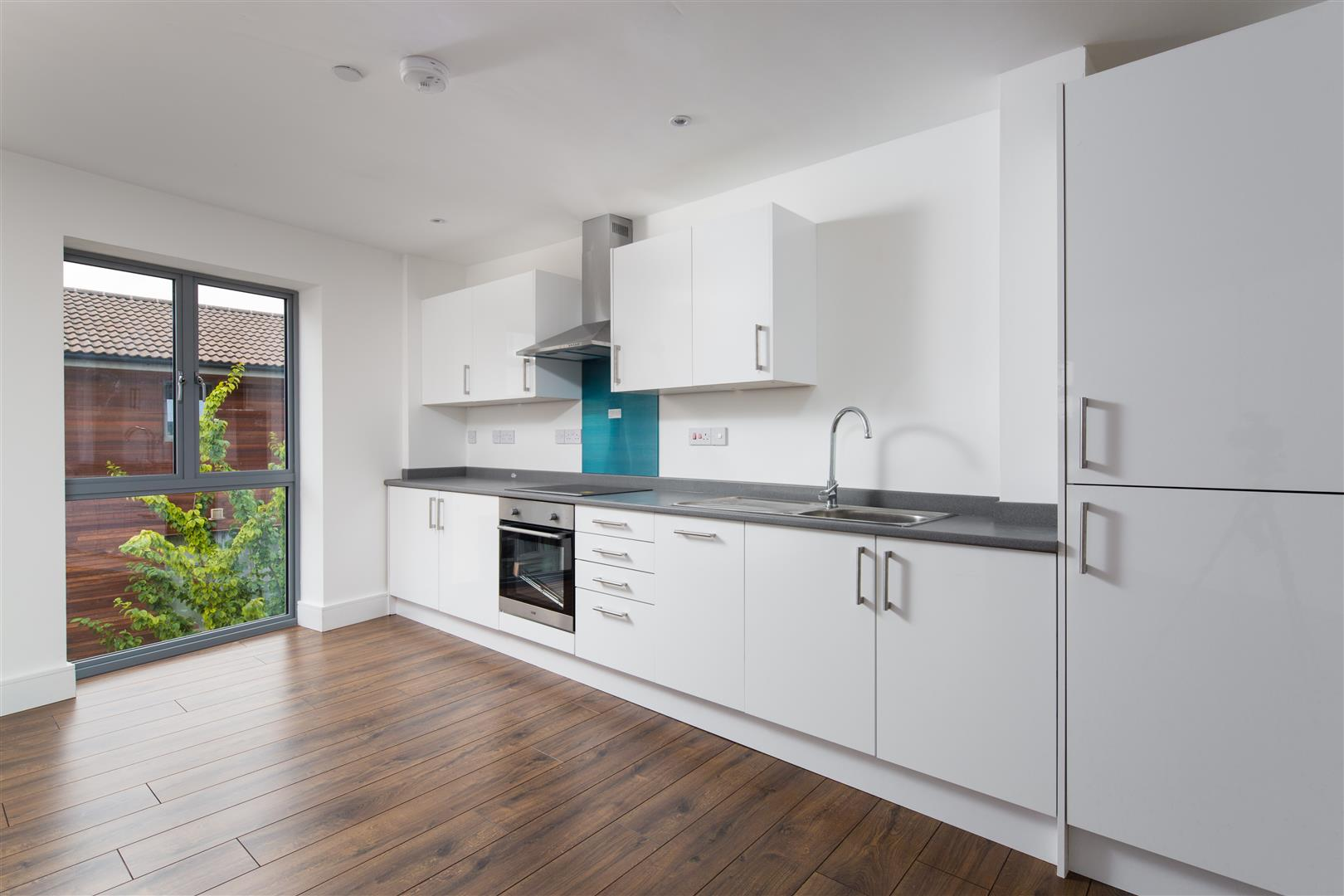 2 Bedrooms Flat for sale in Atlas Court, Barton Road